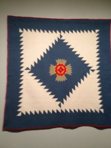 love the simplicity of the design and the amazing quilting.